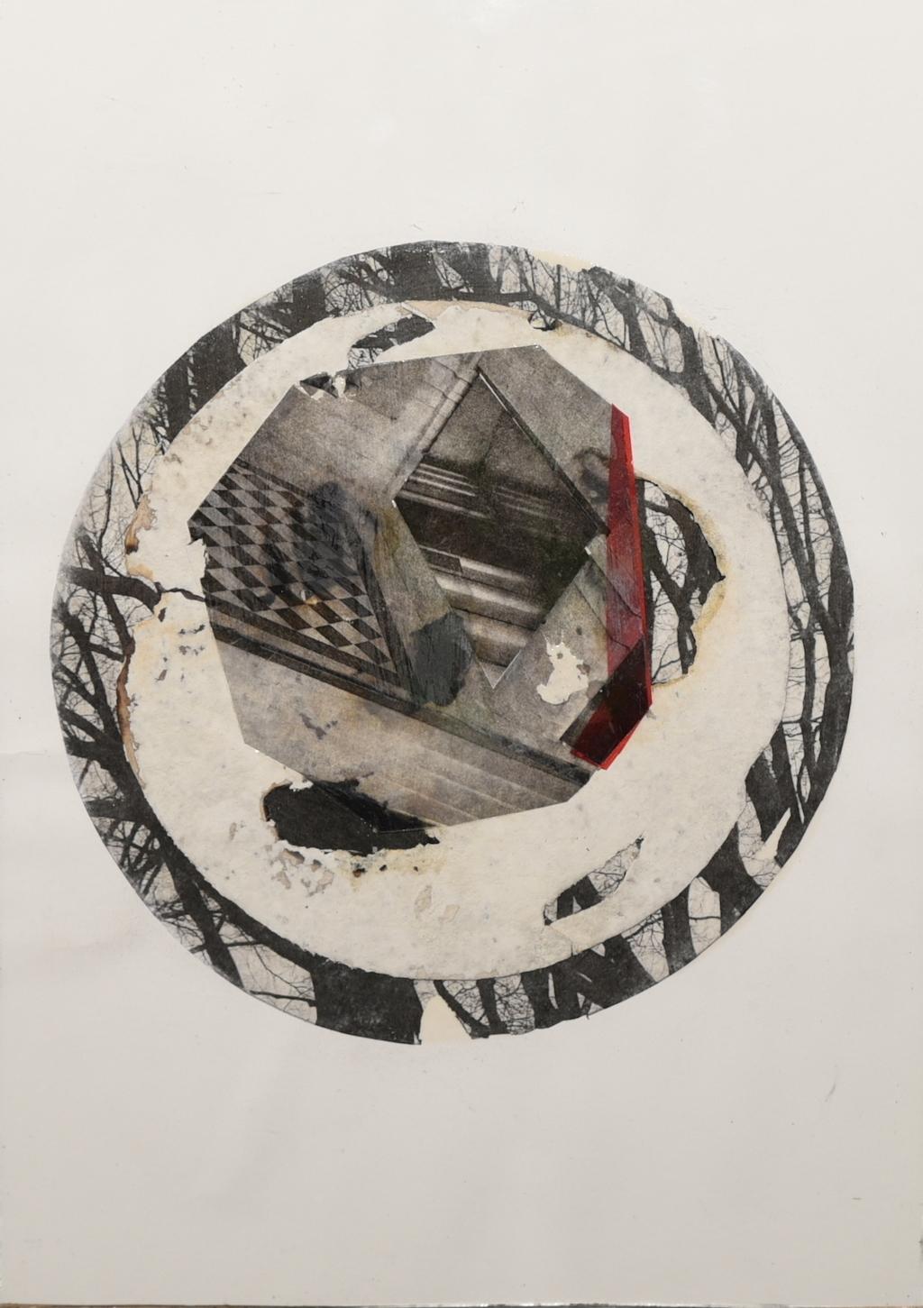 MIL ESCALERAS HACIA EL BOSQUE  T. Mixta /Papel y cristal. 35 x 25 cm.